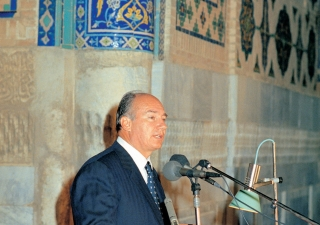 His Highness the Aga Khan addressing the audience at the Fifth Aga Khan Award for Architecture Ceremony in Samarkand's historic Registan Square.