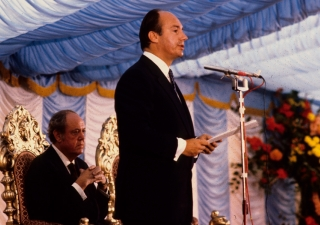 Mawlana Hazar Imam addresses the gathering at the Foundation Ceremony of the Ismaili Centre, London.