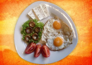Eggs for breakfast provide a good source of protein and quite filling.