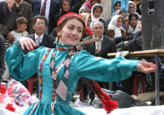 Members of the Badakhshan Ensemble performed traditional Pamiri music and dance for the Afghan audience in the spirit of mutual understanding and learning.