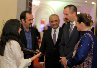 Mountaineer-siblings Samina and Mirza Ali Baig present a memento to Princess Zahra and Prince Rahim at an institutional dinner hosted by the Ismaili Council for Pakistan. Rahil Imtiaz Ali