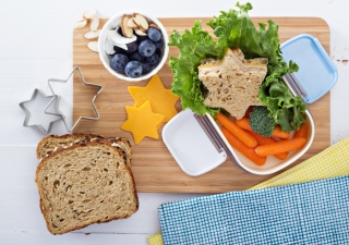 Find tips to help make lunchbox packing a breeze, and a yummy treat that children won't be able to resist!