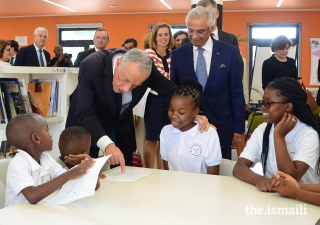 President Marcelo Rebelo de Sousa interacts with students during a visit to the Aga Khan Academy in Maputo.