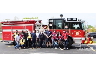 Village of Glenview Fire Department on hand to show support for the food drive.