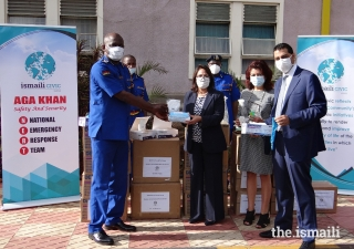 President of the Council for Kenya Shamira Dostmohamed delivers provisions to the National Police Service along with Safety and Security members Zahid Peermohamed and Sonya Nanji.