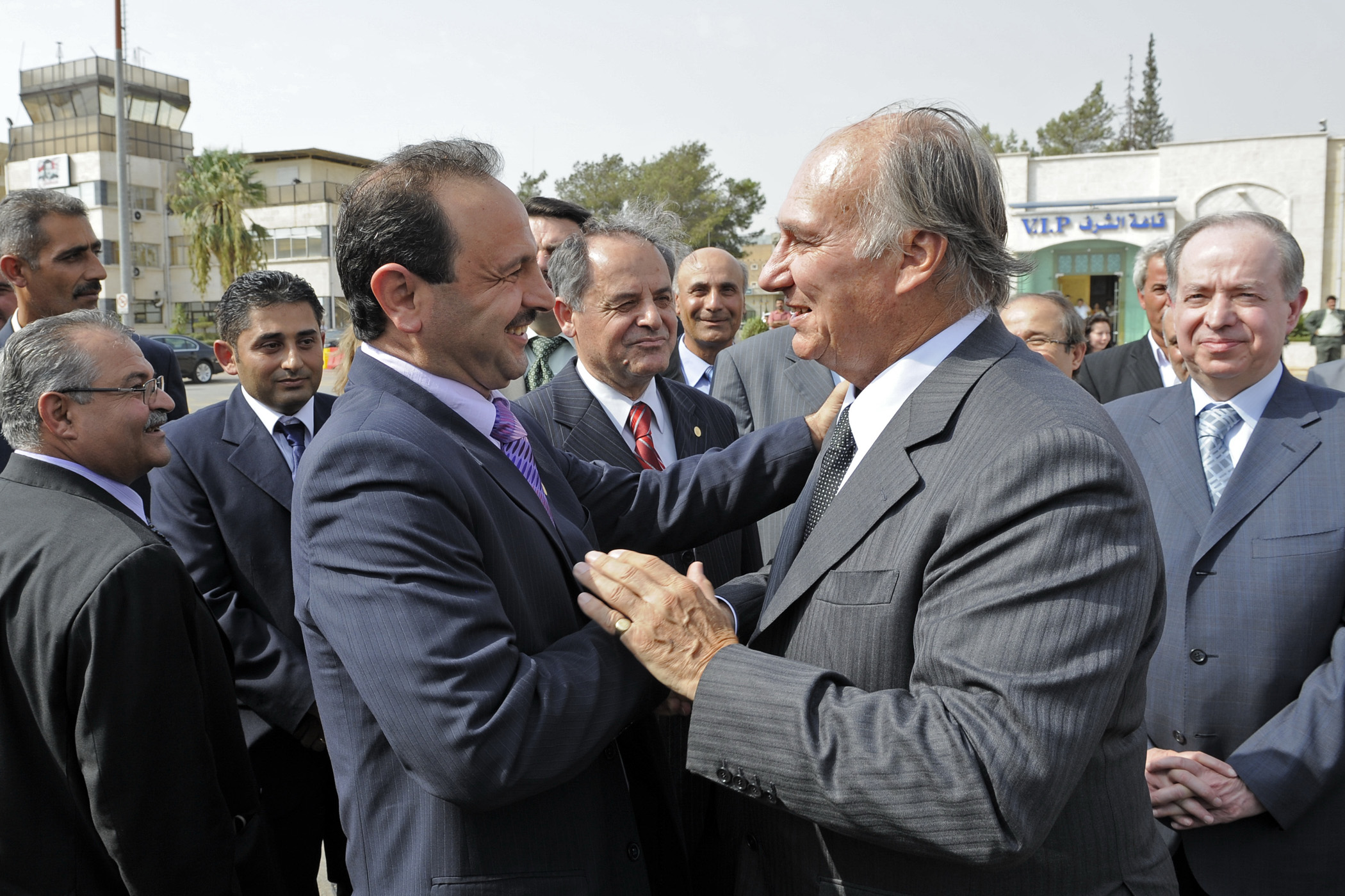 President Nasser Al-Maghout of the Ismaili Council for Syria bids farewell to Mawlana Hazar Imam at the conclusion of his Golden Jubilee visit to Syria. Photo: Gary Otte