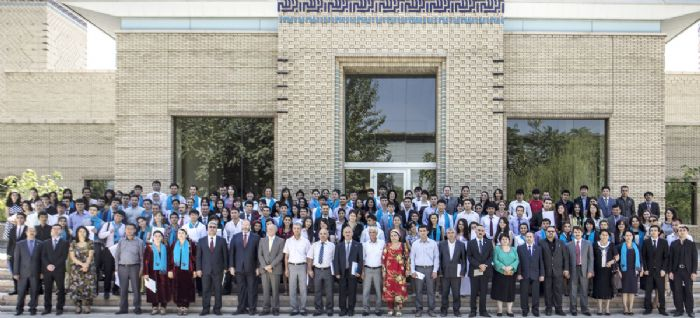 The class of 2013 from the UCA School of Professional and Continuing Education and Aga Khan Humanities Project at the Ismaili Centre, Dushanbe. UCA / Amir Isaev