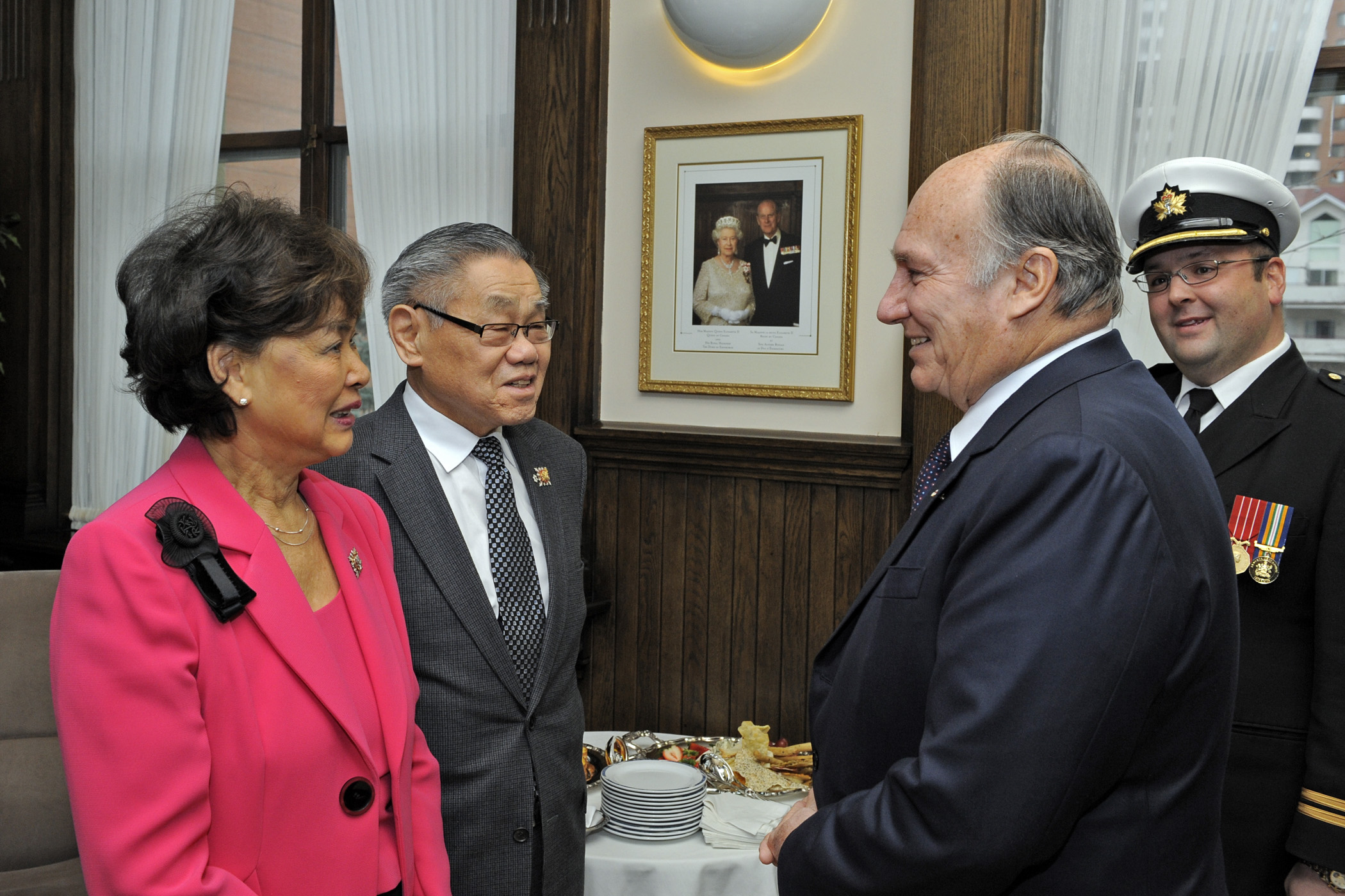 Mawlana Hazar Imam in discussion with the Honourable Norman L Kwong, Lieutenant Governor of Alberta, and his wife, Her Honour Mary Kwong. Photo: Gary Otte