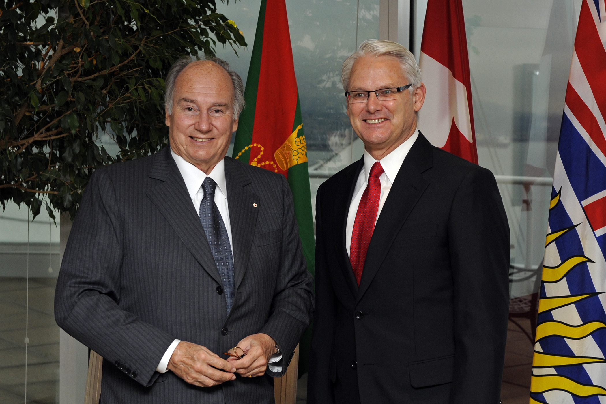 Premier Gordon Campbell hosts a luncheon with community, education and business leaders in honour of Mawlana Hazar Imam's Golden Jubilee visit to British Columbia. Photo: Gary Otte