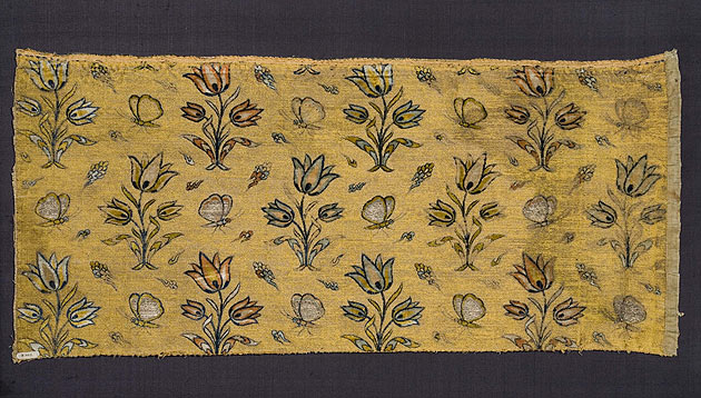 Voided silk-velvet textile fragment from Iran, dating from the first quarter of the 17th century. This fabric represents the type of luxury silks that were produced as a result of Shah Abbas' stimulus to trade with Europe. Photo: Staatliche Museen zu Berlin