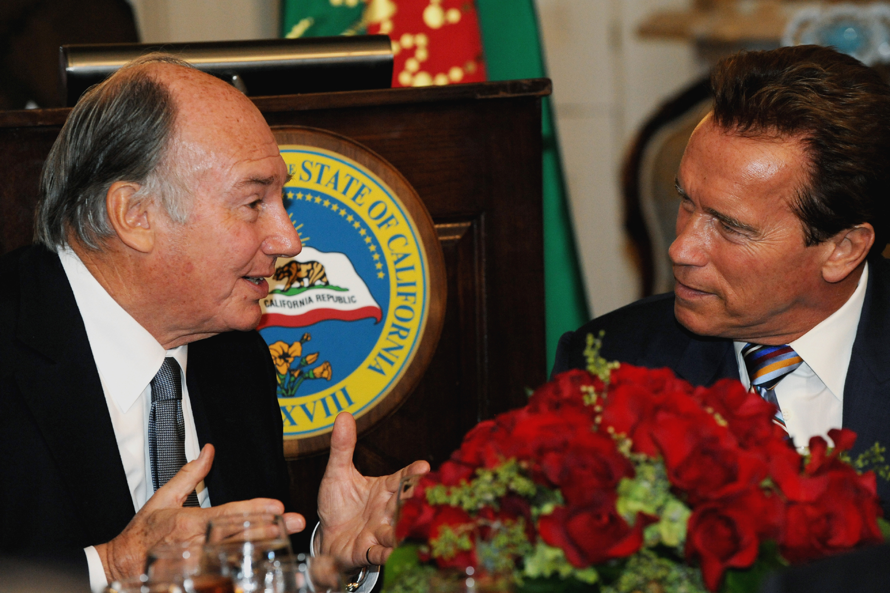 Mawlana Hazar Imam and Governor Schwarzenegger engaged in conversation during the luncheon at Stanford Mansion. Photo: Zahur Ramji
