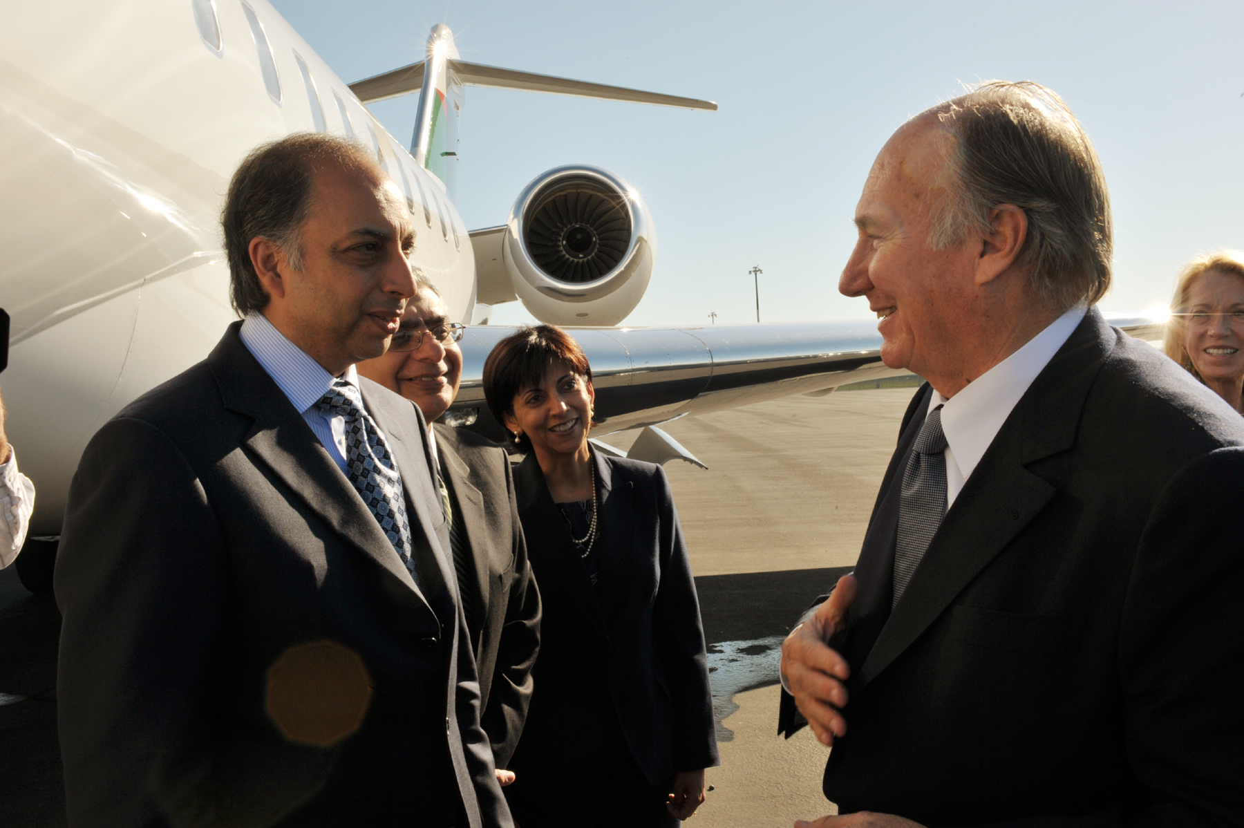President Mahmoud Eboo and Vice-President Dr Barkat Fazal of the Ismaili Council for the United States, and President Shaheen Kassim Lakha of the Ismaili Council for the Western United States, bid farewell to  Mawlana Hazar Imam as he departs Sacramento. Photo: Zahur Ramji