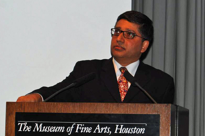 Alnoor Merchant speaking at the Museum of Fine Arts, Houston in April 2009. Photo: Courtesy of the Ismaili Council for the USA