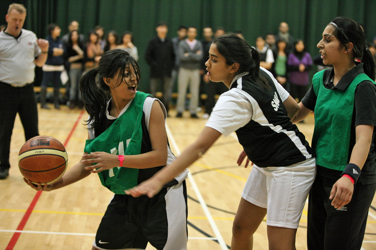 The competition heats up in Ladies Basketball. Photo: Courtesy of the Ismaili Council for the UK