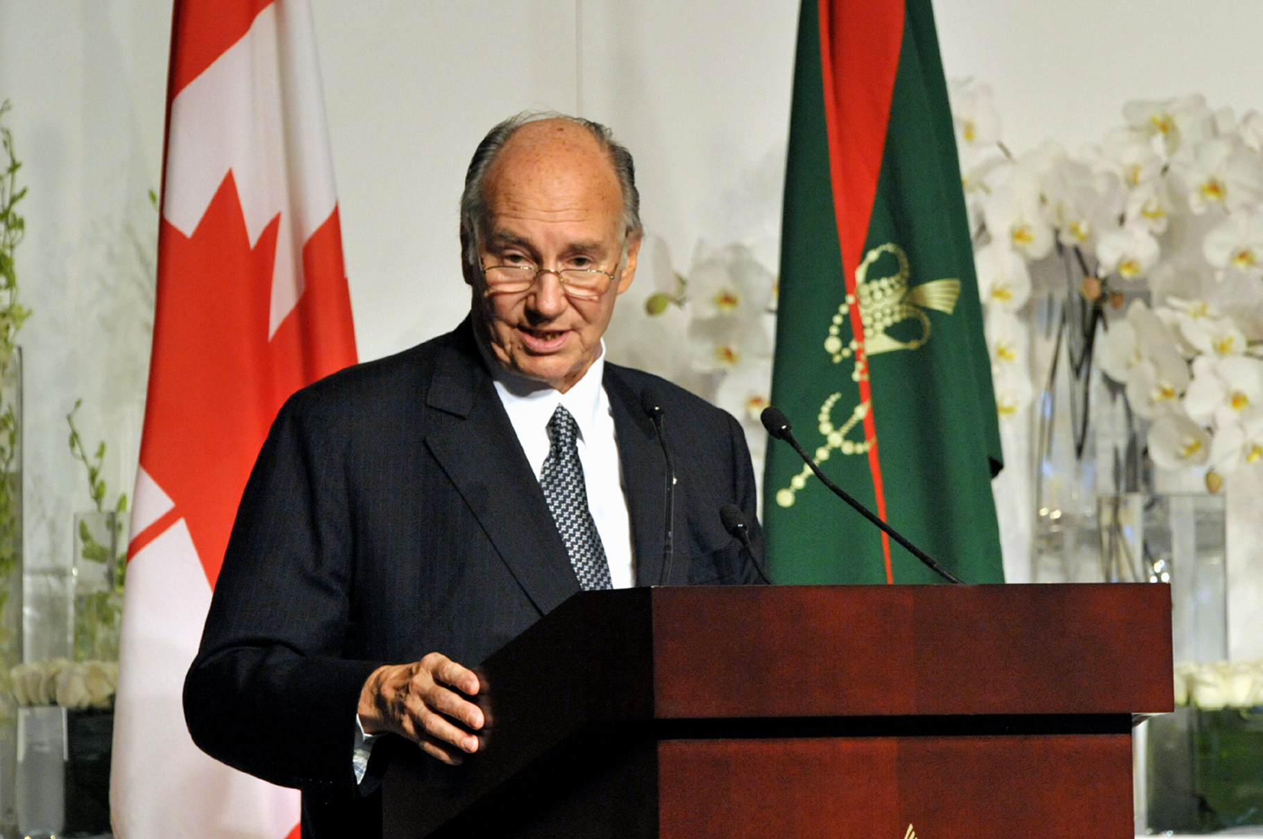 Mawlana Hazar Imam addresses the gathering at the Foundation of the Ismaili Centre, the Aga Khan Museum and their Park in Toronto. Photo: Zahur Ramji