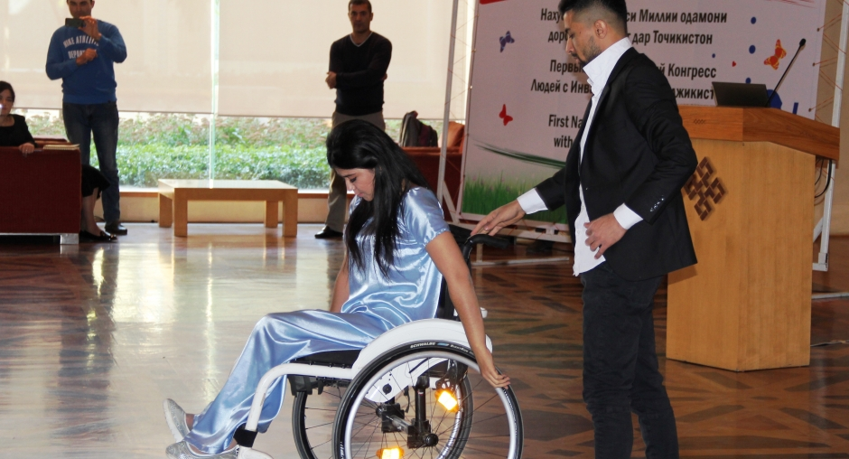 One of the participants performing a wheelchair dance with her dance partner, Dushanbe, 25 October 2017.