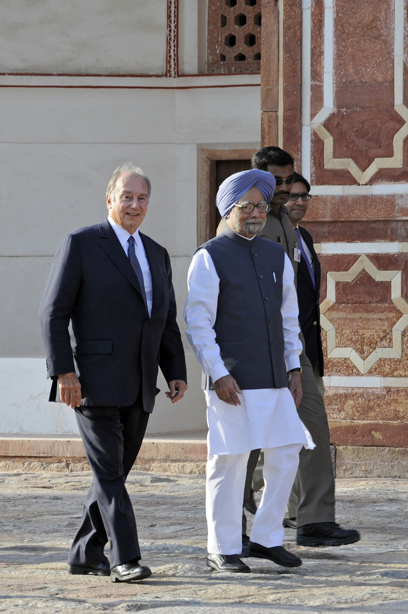 Mawlana Hazar Imam with Indian Prime Minister Manmohan Singh at the inauguration of the restoration of Humayun's Tomb in Delhi. Photo: AKDN / Gary Otte