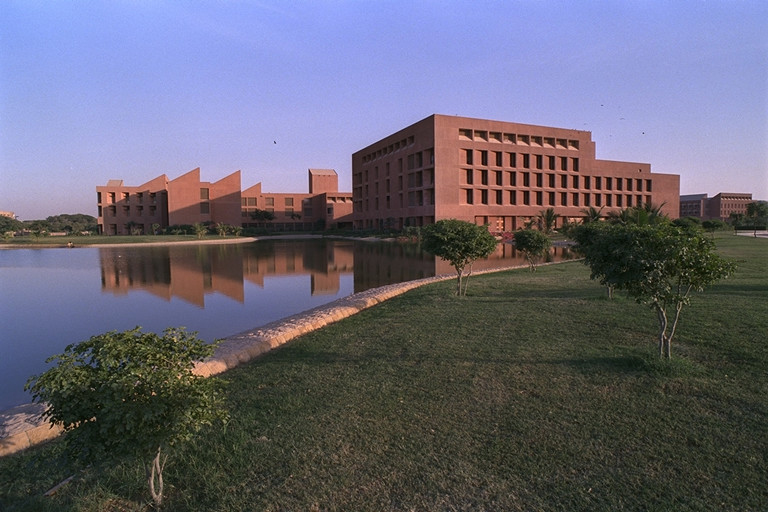 A sunset view of the Aga Khan University campus in Karachi. When it opened in 1980, the AKU School of Nursing was the first to be affiliated with a university. It has significantly raised the quality and standing of nursing in Pakistan, restoring dignity and honour to the women who serve in this profession. Photo: AKDN / Jean-Luc Ray