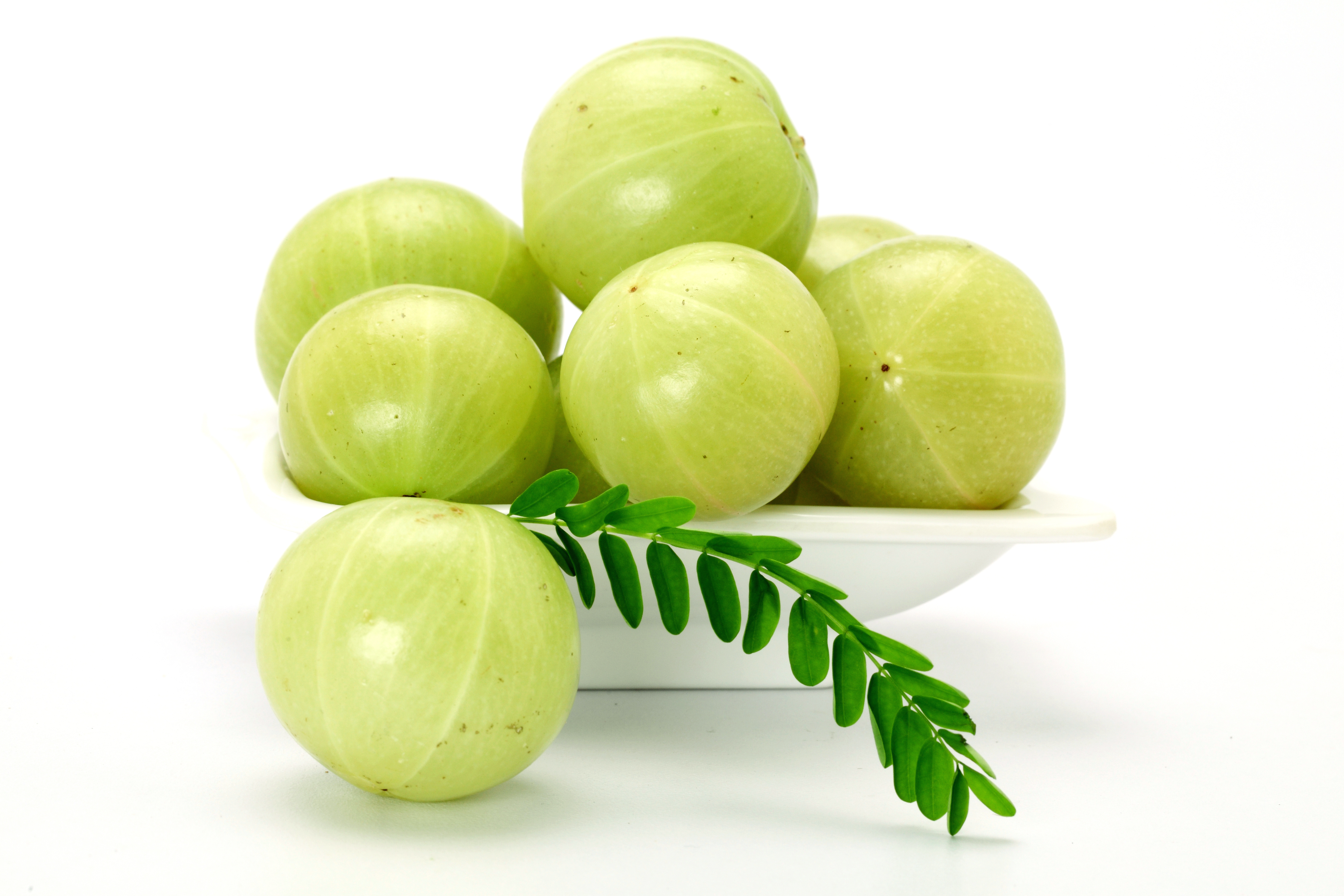 Amla (Indian gooseberry) is a tangy seasonal fruit that is high in vitamin C. Photo: Swapan / Dollar Photo Club