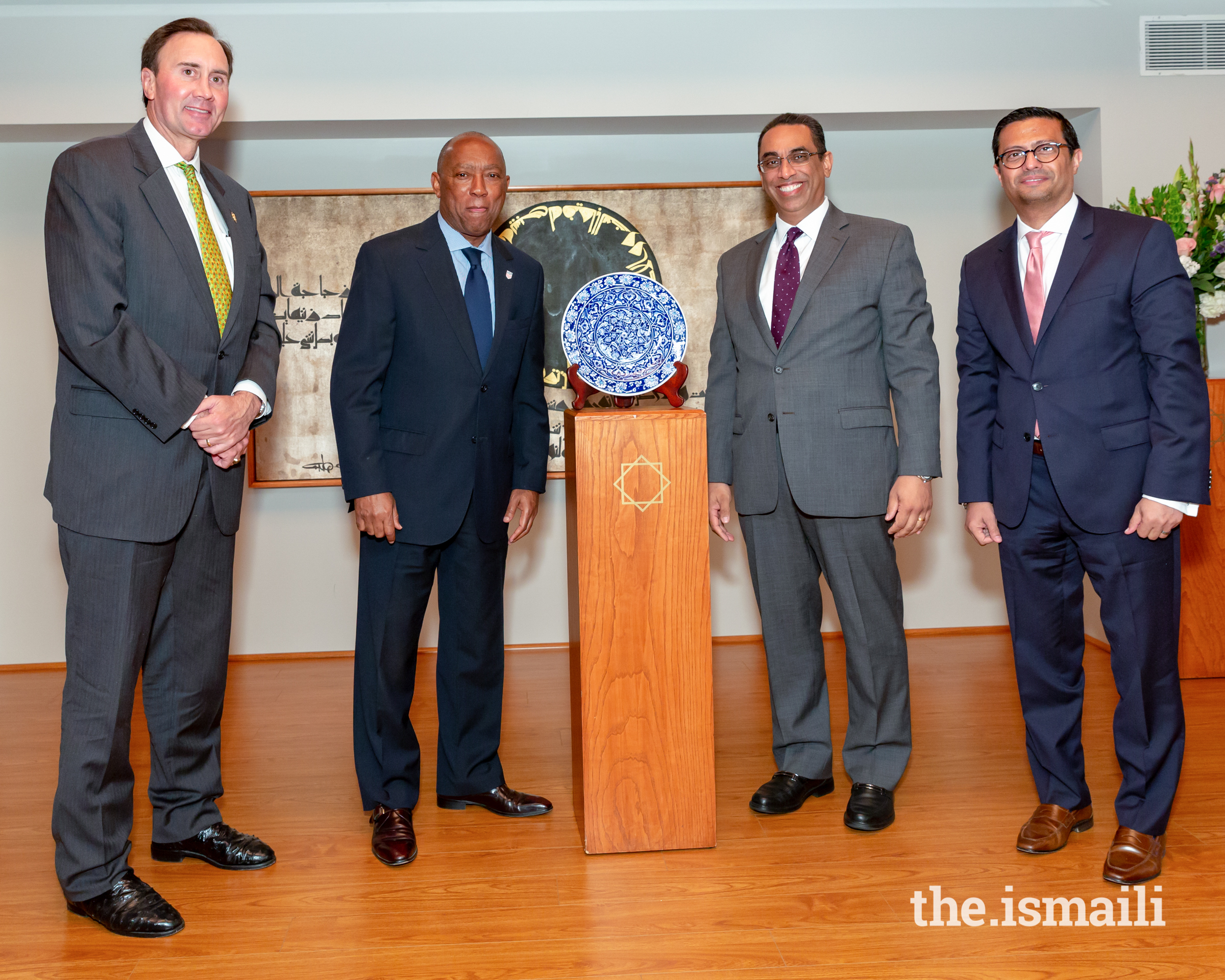 Presentation of gift to the Keynote Speaker Mayor Sylvester Turner. From left to right: Congressman Pete Olson, 22nd District US Congress; Mayor Sylvester Turner, City of Houston; President Alkarim Alidina, Aga Khan Council USA; President Murad Ajani, Aga Khan Council SW USA.