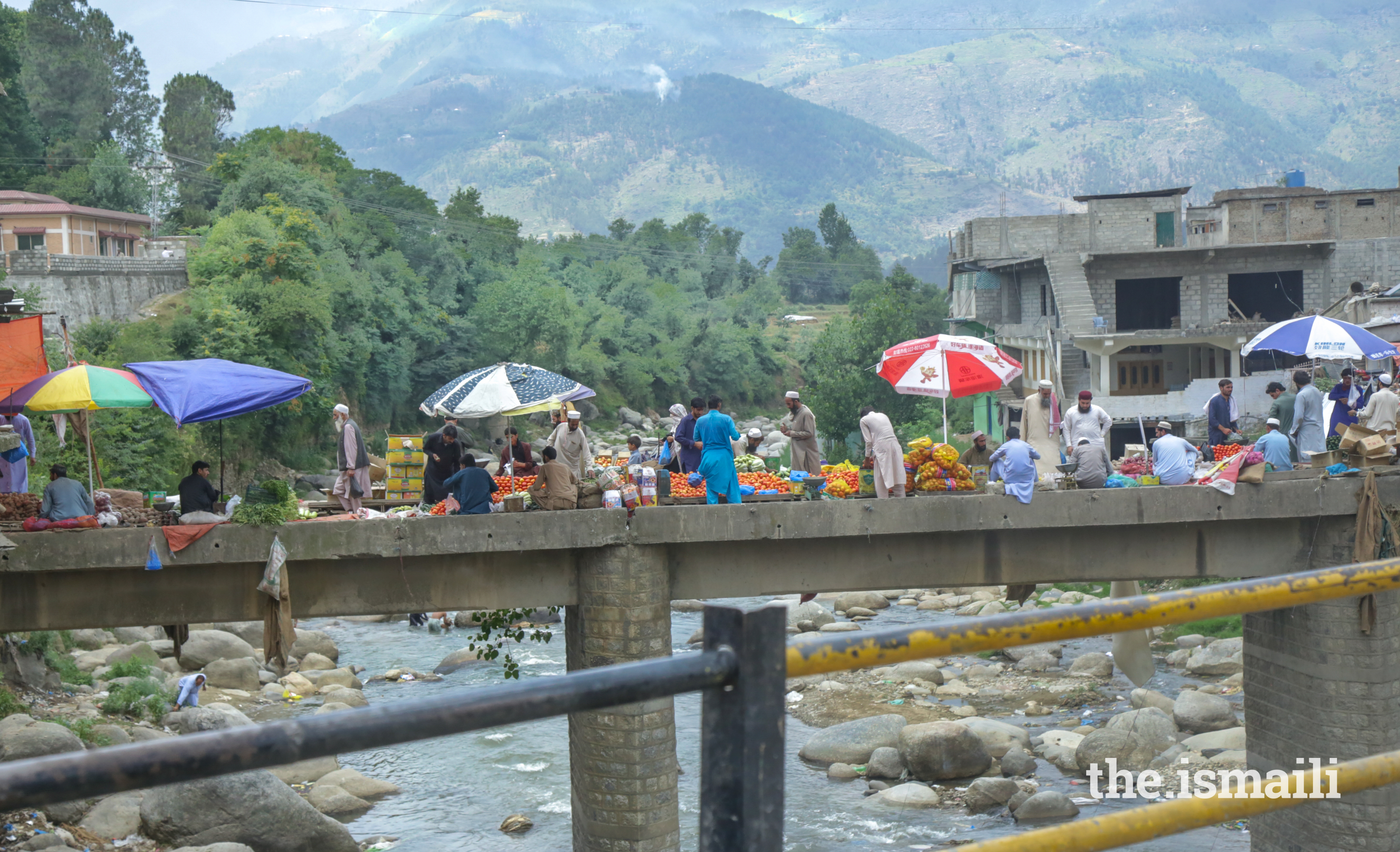 Locals shopping at the street fruit market in Chilas, a small town located in Gilgit-Baltistan on the Indus river.