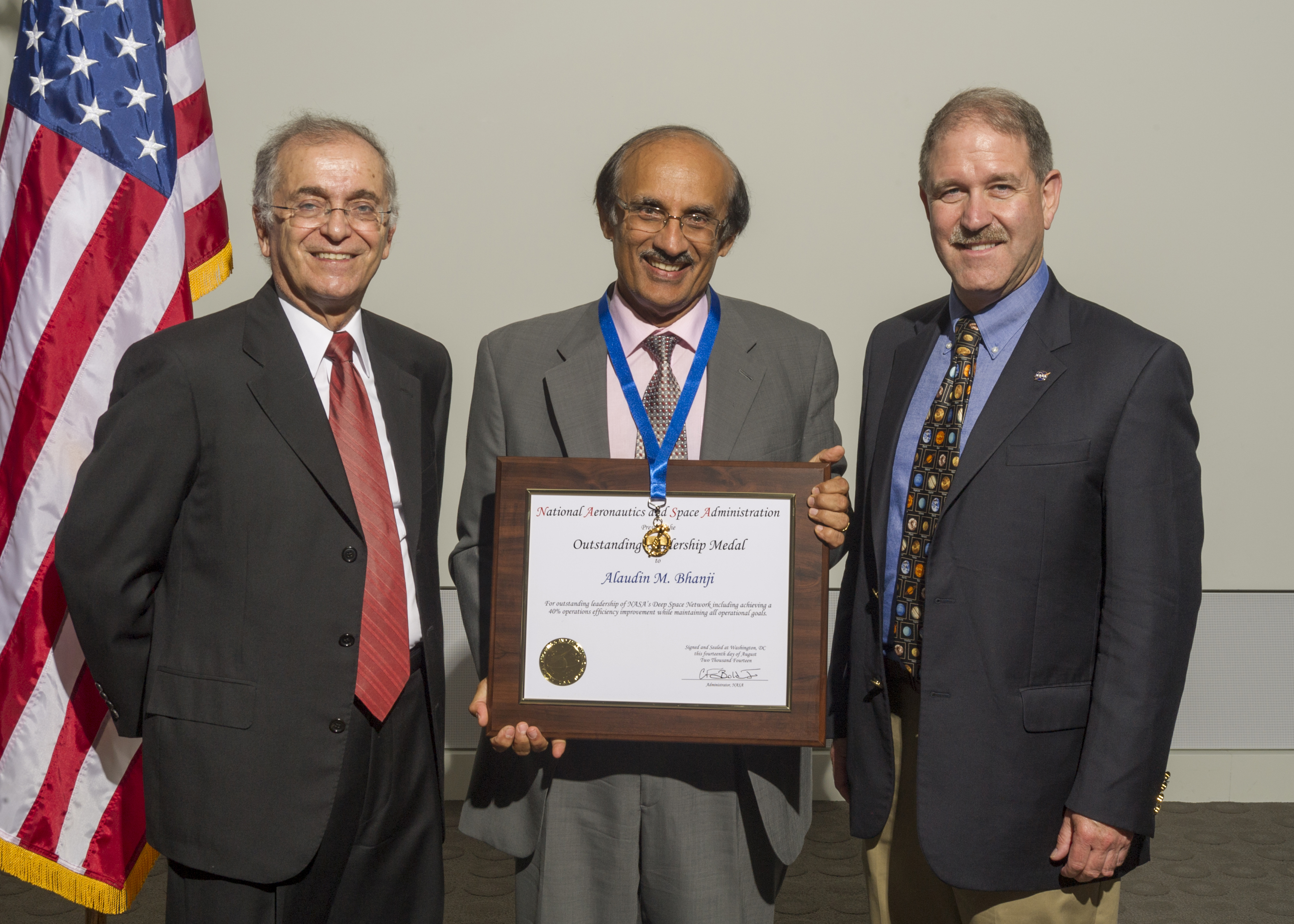 nasa outstanding leadership award - HD 5018×3584