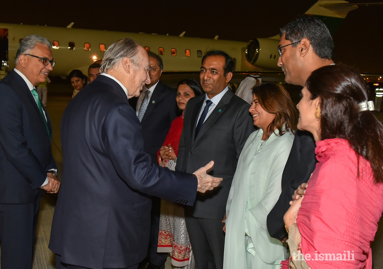 Mawlana Hazar Imam greets leaders of the Jamat upon his arrival in Dubai.