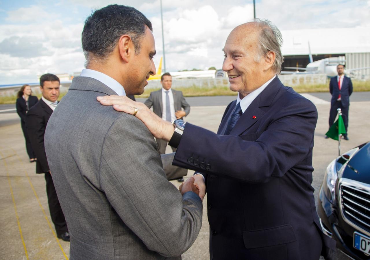 Ismaili Council President Rahim Firozali bids farewell to Mawlana Hazar Imam. AKDN / Luis Filipe Catarino