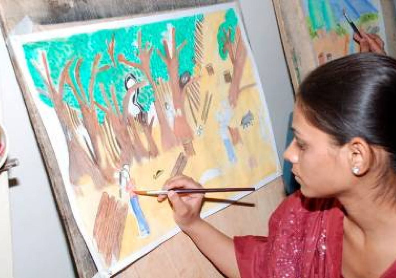 Art competition in pakistan raises awareness of environmental issues