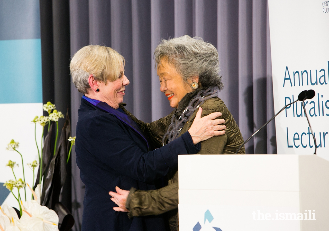 Following the 2018 Annual Pluralism Lecture, The Right Honourable Adrienne Clarkson extends thanks to Karen Armstrong on behalf of the board of the Global Centre for Pluralism.