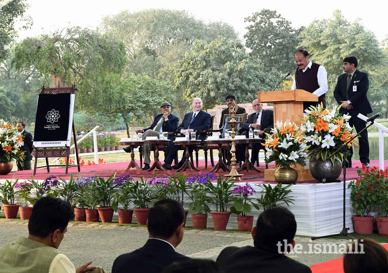 Vice President of India Shri M. Venkaiah Naidu, addresses the gathering as Mawlana Hazar Imam and Lieutenant Governor of Delhi Shri Anil Baijal, look on.