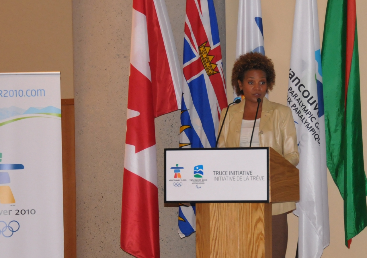Her Excellency the Right Honourable Michaëlle Jean, Governor General of Canada, addresses the audience at the Truce Dialogue for youth held at the Ismaili Centre Burnaby.
