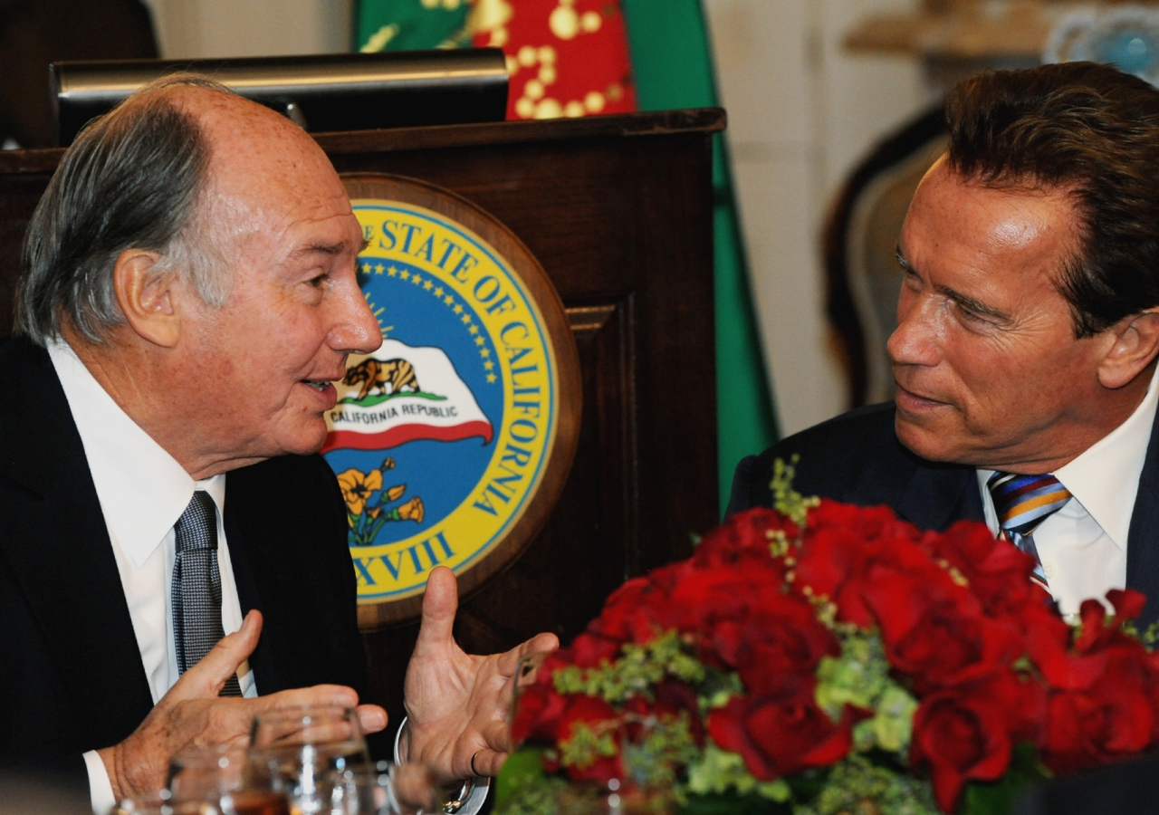 Mawlana Hazar Imam and Governor Schwarzenegger engaged in conversation during the luncheon at Stanford Mansion.