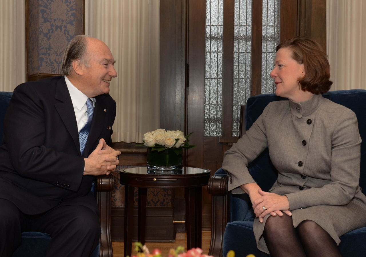 Mawlana Hazar Imam and Alberta Premier Alison Redford engaged in discussion ahead of the signing of the Agreement of Cooperation between the Ismaili Imamat and the Government of Alberta.