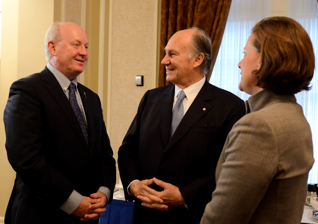 Mawlana Hazar Imam in conversation with Premier Alison Redford and Ken Hughes, Minister of Energy, at the signing of the Agreement of Cooperation between the Imamat and Alberta.