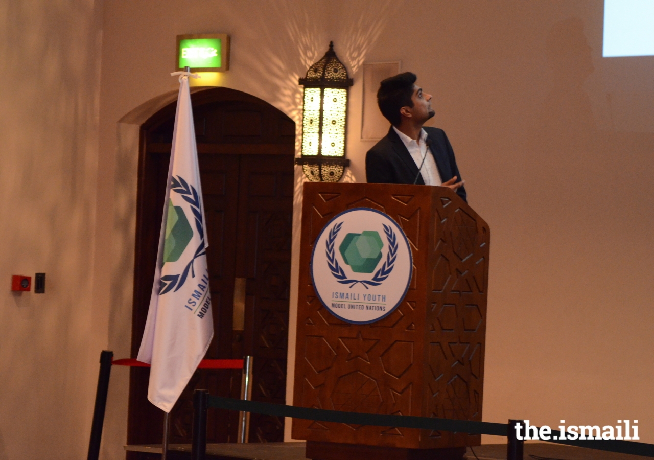 IYMUN team conduct an information session for prospective participants