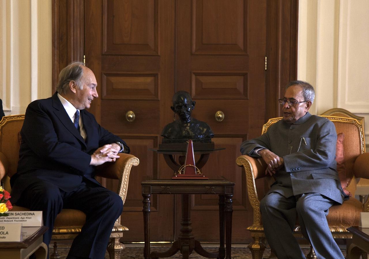 Mawlana Hazar Imam calls on the President of India, His Excellency Pranab Mukherjee, at Rashtrapati Bhavan.