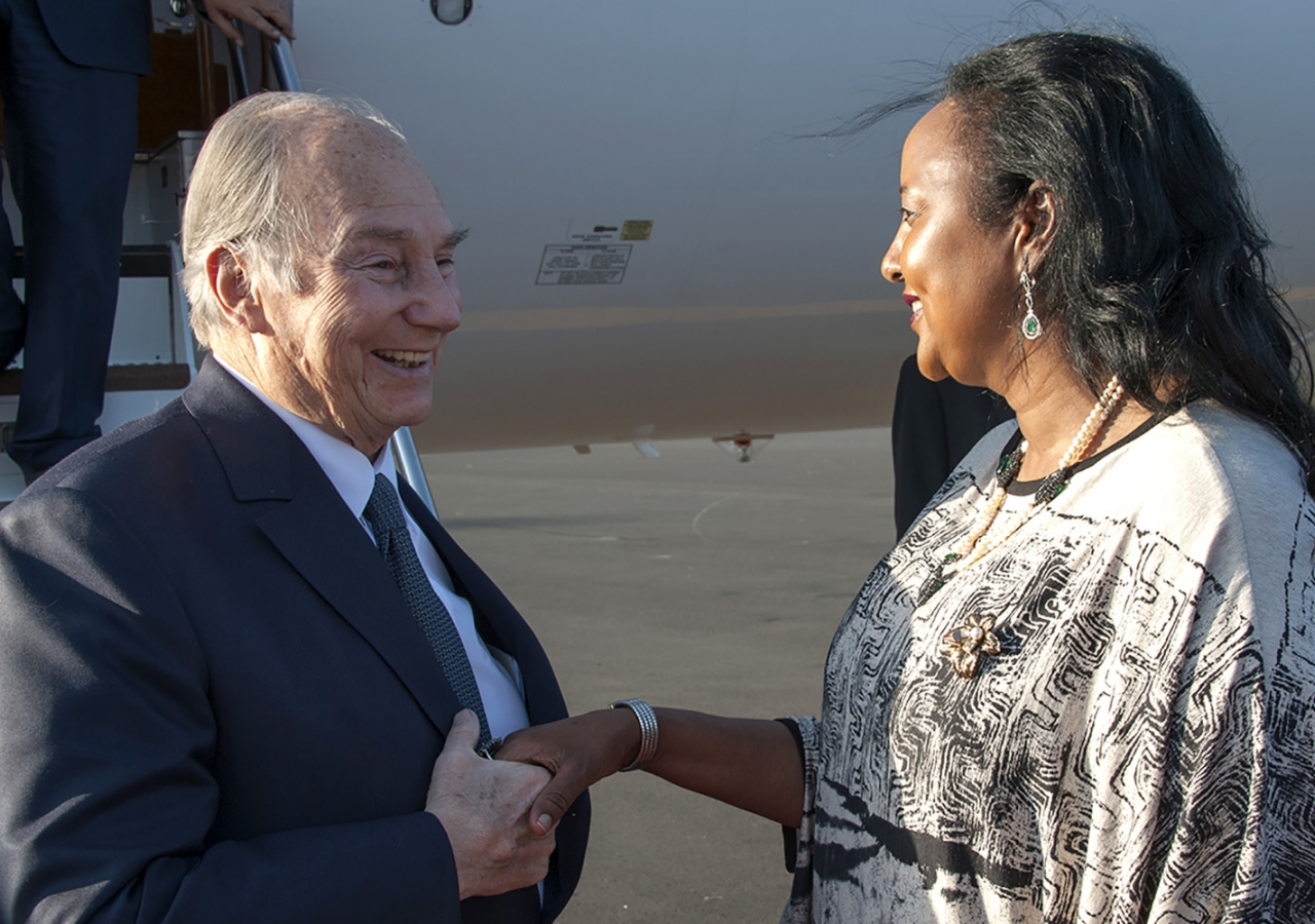 Mawlana Hazar Imam is greeted by the Cabinet Secretary for the Ministry of Foreign Affairs, Ambassador Amina Mohamed. Hazar Imam is visiting Kenya at the invitation of President Uhuru Kenyatta. Aziz Islamshah