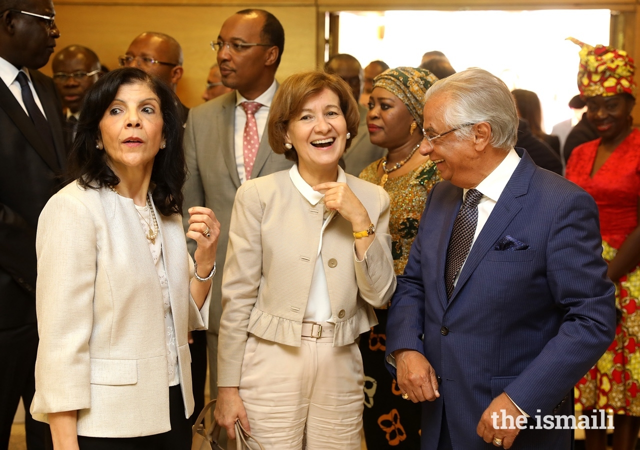 The Ambassador of Algeria, Fatiha Selmane, with the Secretary of State of Foreign Affairs and Cooperation, Teresa Ribeiro, and Diplomatic Representative of the Ismaili Imamat to the Portuguese Republic, Nazim Ahmad, at the commemorations of Africa Day at the Ismaili Centre Lisbon.