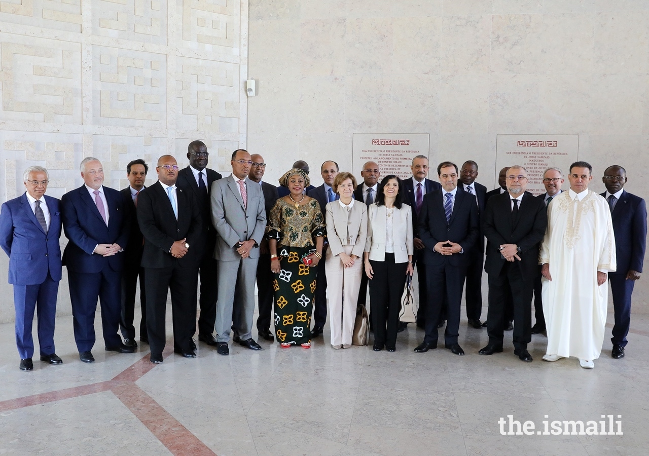 The Secretary of State of Foreign Affairs and Cooperation, Teresa Ribeiro (centre), with the ambassadors of African Countries, and Nazim Ahmad (left), at the Ismaili Centre Lisbon for the commemorations of Africa Day.