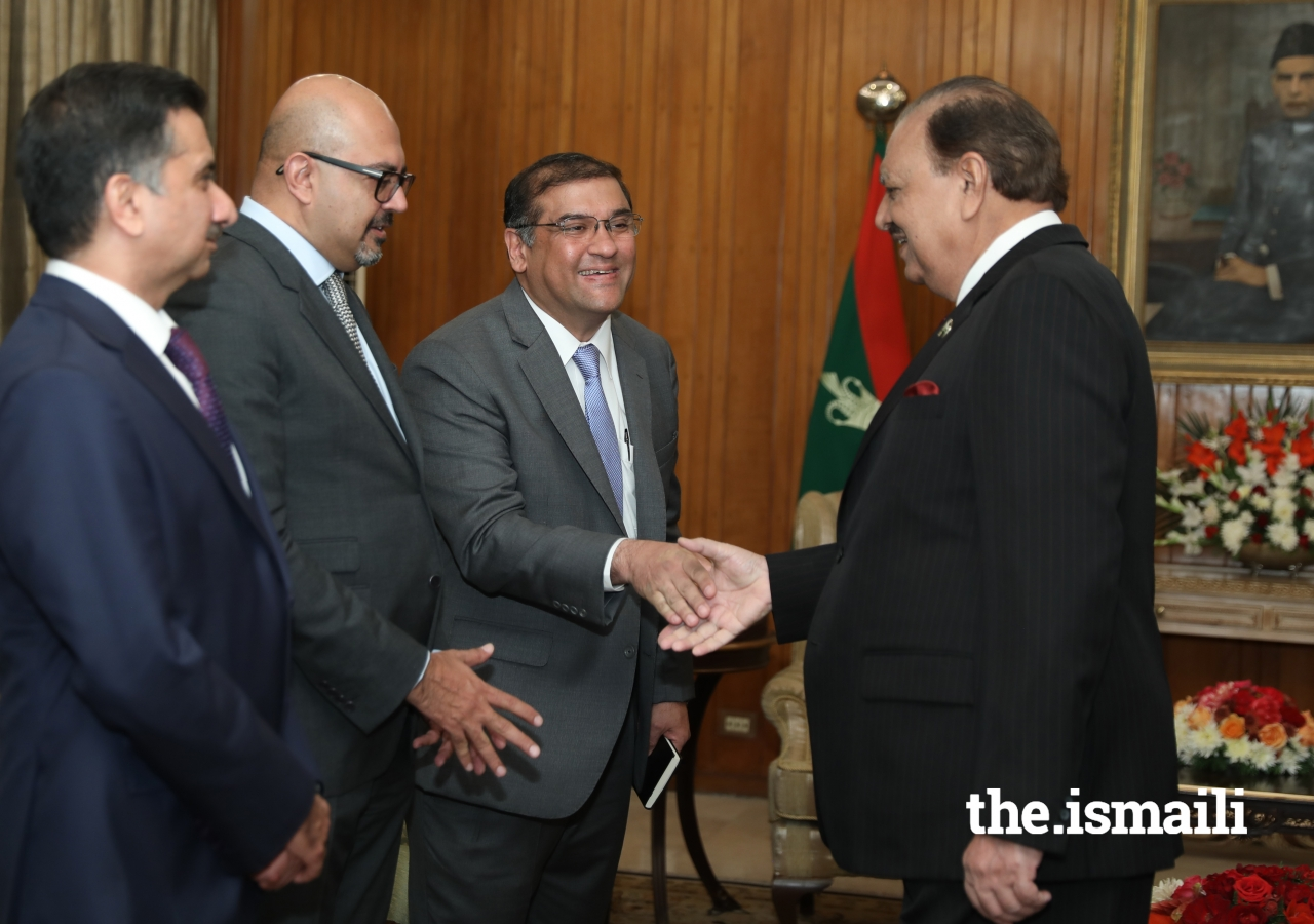 President Mamnoon Hussain greets Ismaili Council for Pakistan President Hafiz Sherali as Ambassador Arif Lalani, Head of the Diplomatic Department, Seat of the Ismaili Imamat, and Sultan Allana, Chairman, TPS & HBL look on