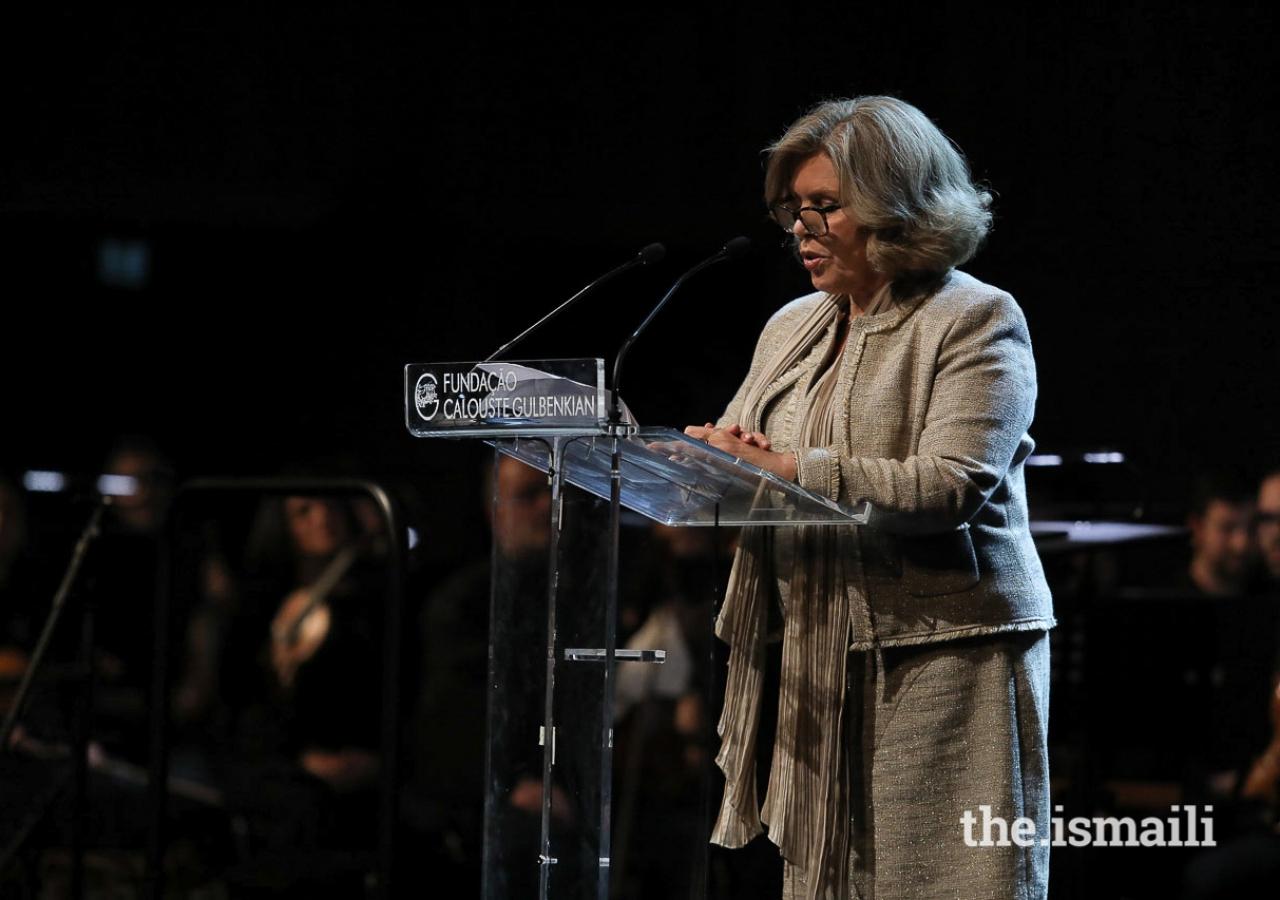 Isabel Mota, President of the Calouste Gulbenkian Foundation addressing the audience.