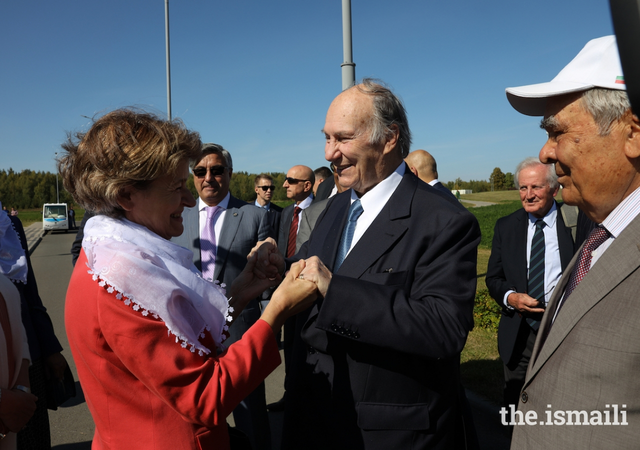 Mawlana Hazar Imam is greeted by Irina Bokova, former Director-General of UNESCO, upon his arrival into Bolgar.