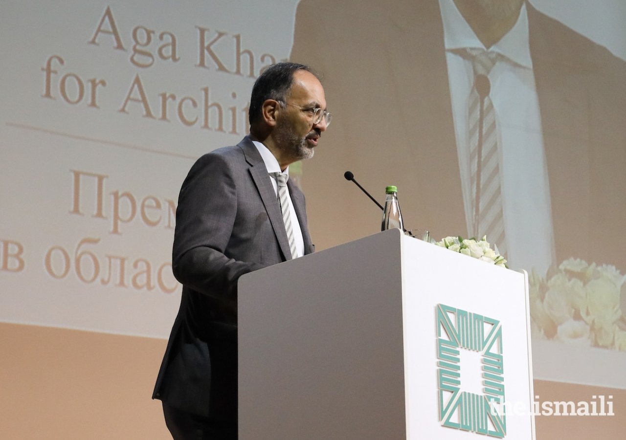 Farrokh Derakhshani, Director of the Aga Khan Award for Architecture, welcomes delegates to the 2019 Winners' Seminar.