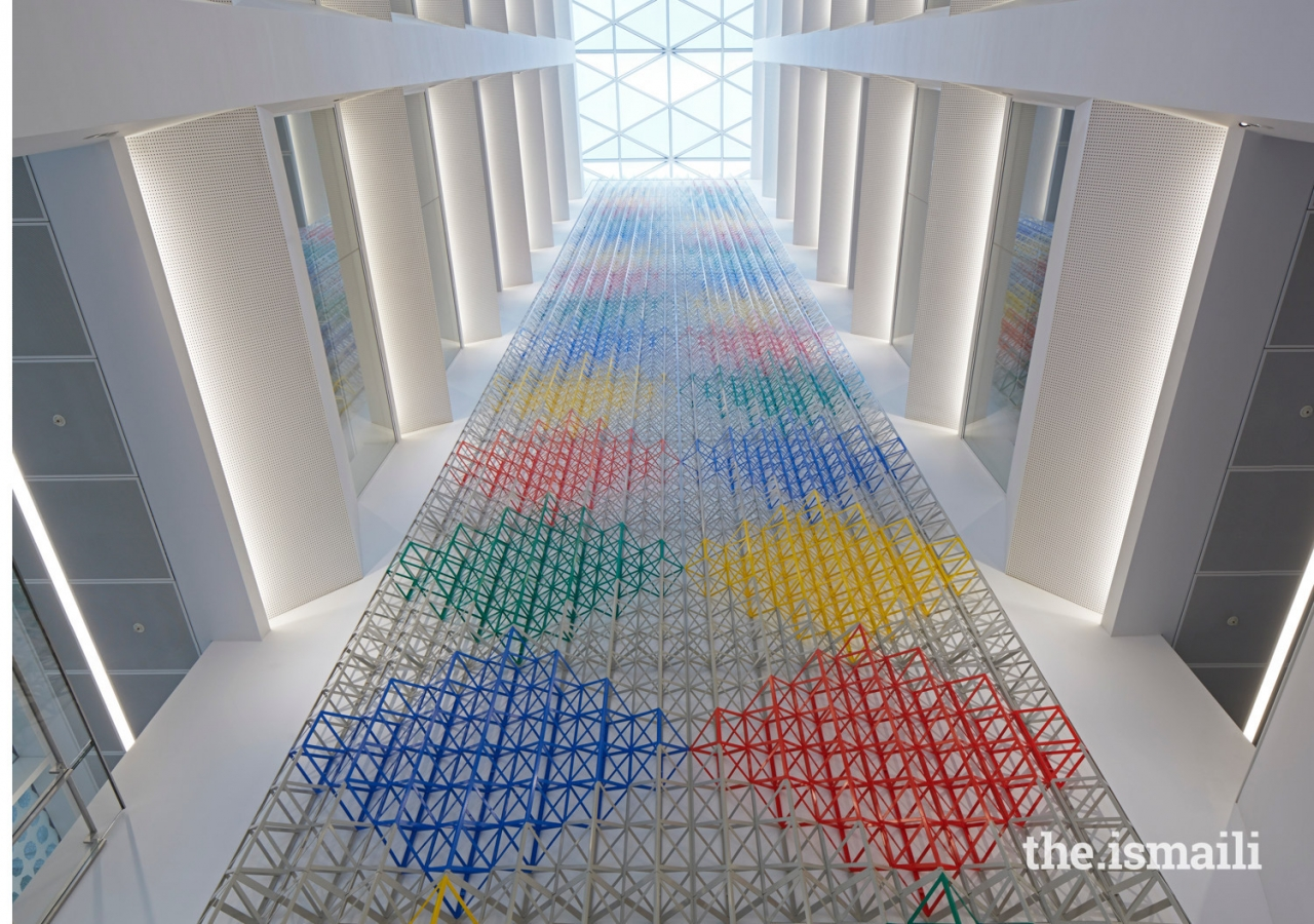 Located in the atrium and designed by Rasheed Araeen, the 'Rhapsody of Fours Colours' is a 31-metre high sculpture that celebrates the connection between 20th century geometric abstraction and the achievement of Islamic civilisation.