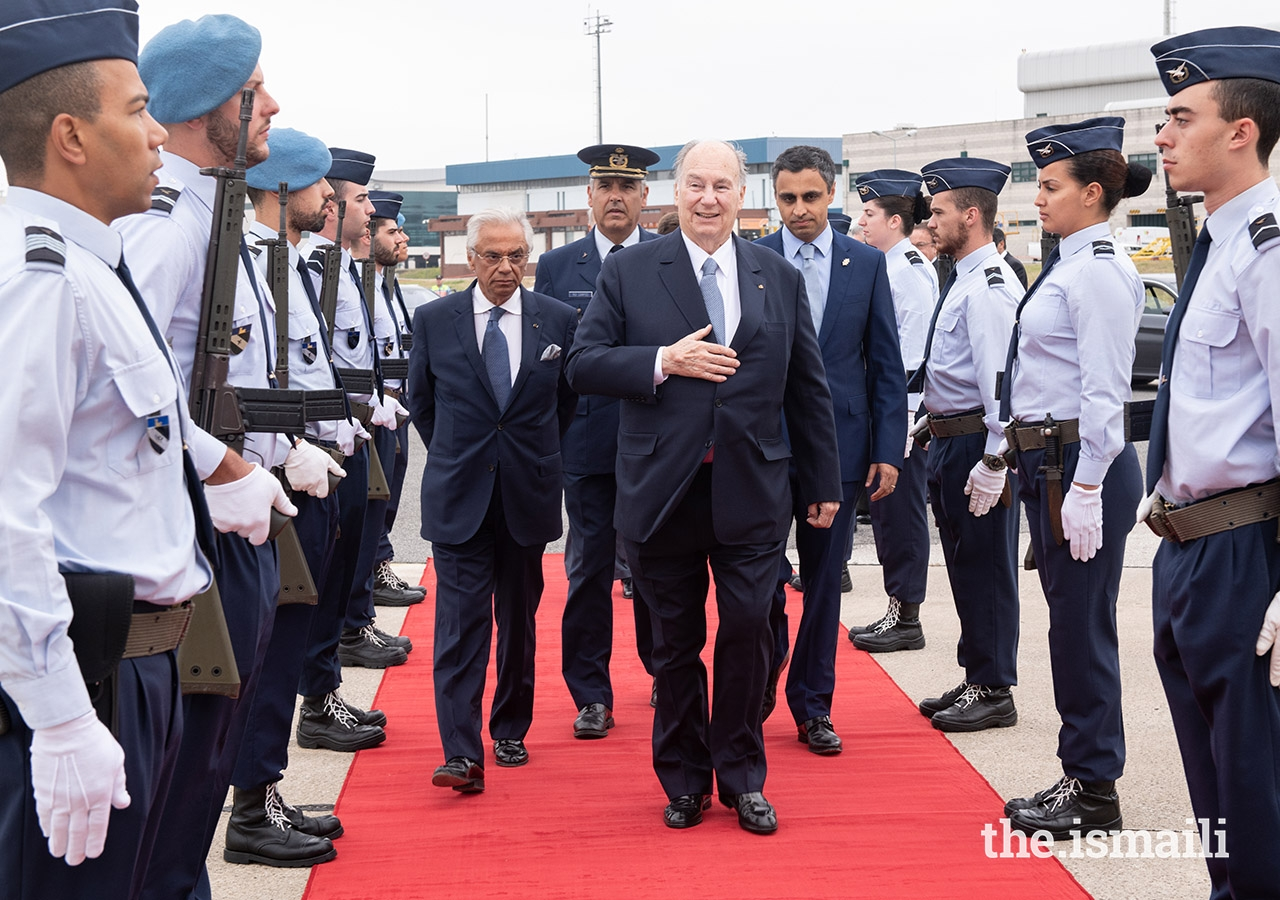 A Guard of Honour was present as Mawlana Hazar Imam arrived at the airport in Lisbon for his departure from Portugal.