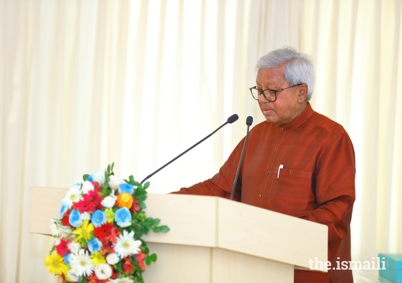 Sir Fazle Hasan Abed, Founder and Chairman of BRAC, delivers the keynote address to guests gathered at the Ismaili Jamatkhana and Centre, Dhaka.