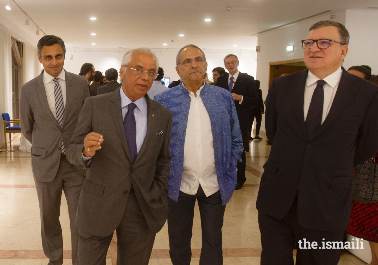 "(L to R) Rahim Firozali; Nazim Ahmad; José Ramos-Horta, former President of Timor-Leste; José Manuel Barroso, former Prime Minister of Portugal and President of the European Commission, tour Prince Hussain's photographic exhibition entitled ""The Living Sea."""