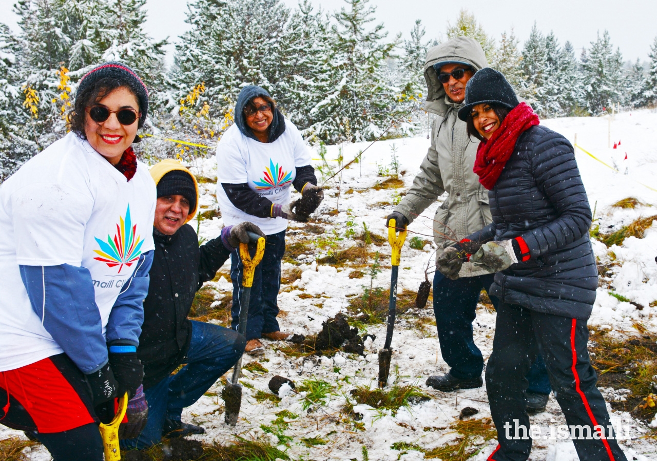 Edmonton volunteers braved winter conditions in order to plant trees on the second annual Ismaili CIVIC Day.