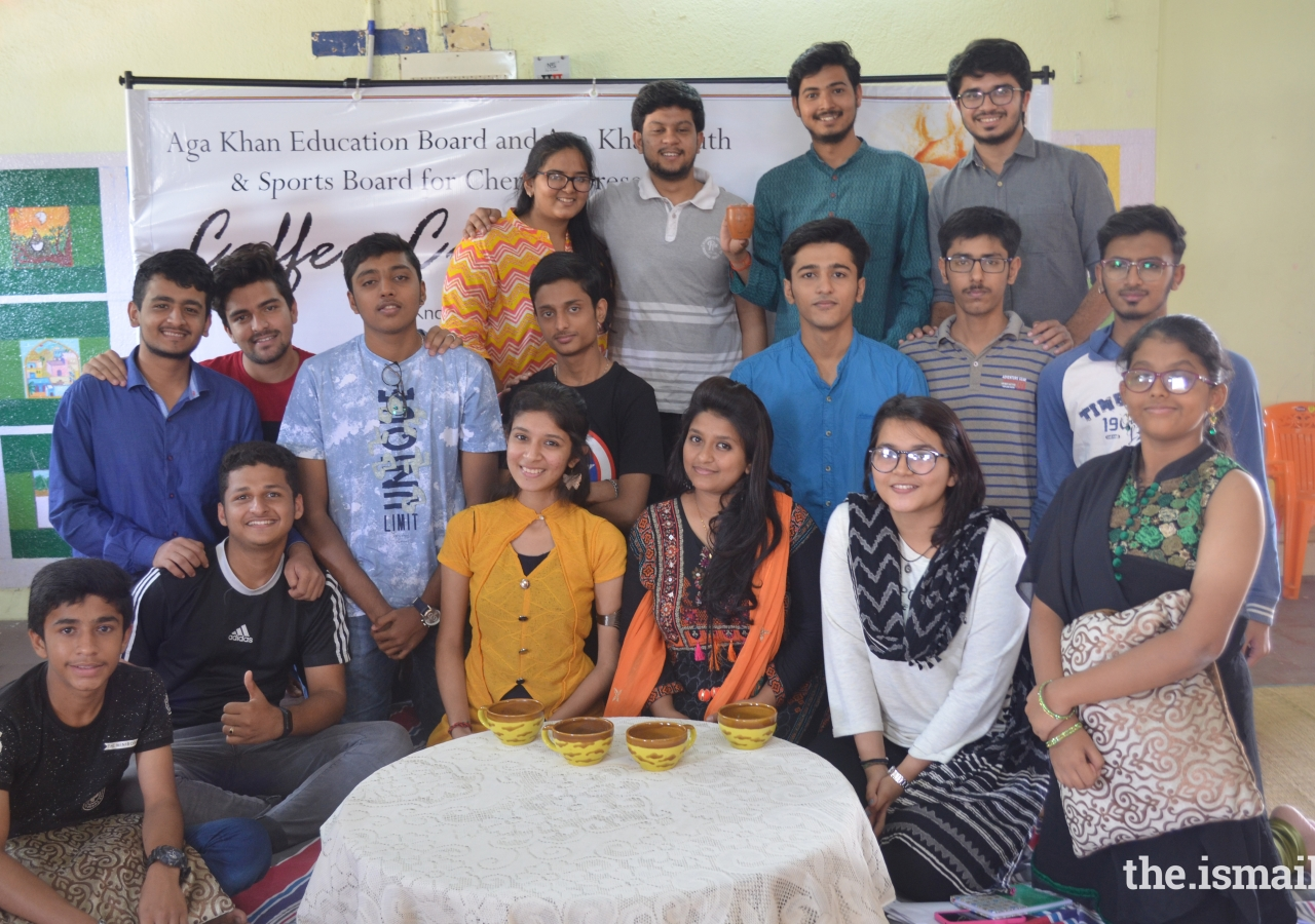 Participants of Coffee Connect with guest speakers Divanshu Kumar and Samyak Jain.